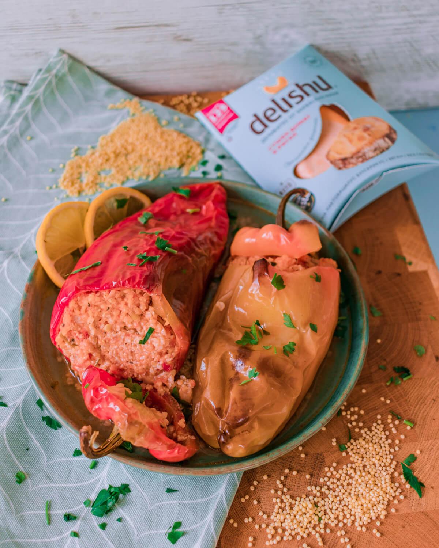 Пълнени чушки с просо, домати и Delishu Сушен домат и риган
